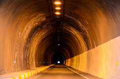 Túnel de la oscuridad de Undergound Fotos de archivo