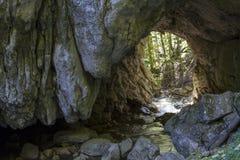 túnel de piedra Imágenes de archivo libres de regalías