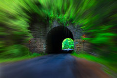 Túnel del camino Fotos de archivo libres de regalías