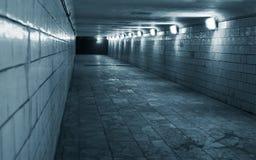 Túnel em uma cidade urbana imagem de stock