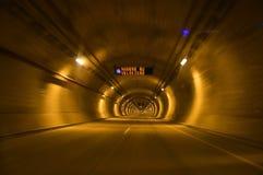 Túnel en el camino Fotos de archivo