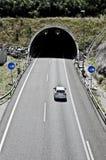 Túnel en la carretera Foto de archivo libre de regalías