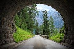 Túnel en las montan@as Foto de archivo libre de regalías