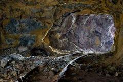 Túnel interior de la mina del azufre de los Milos Imagen de archivo