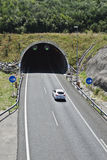 Túnel na estrada Fotografia de Stock Royalty Free