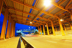 Túnel na noite imagens de stock