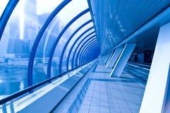 Túnel no azul imagem de stock