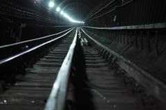 Túnel profundo da câmara de ar fotos de stock