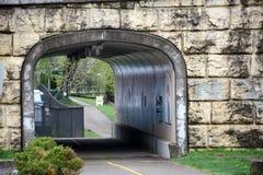 Túnel que camina Imagen de archivo libre de regalías