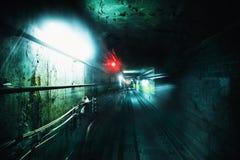 Túnel subterráneo de la oscuridad Imagen del Grunge con textura del grano Imagenes de archivo