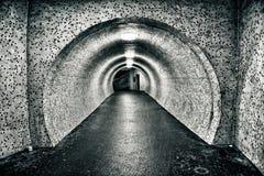 Túnel subterráneo viejo abandonado Fotos de archivo libres de regalías
