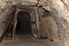 Túnel subterrâneo fotografia de stock royalty free