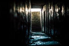 Túnel subterrâneo do depósito imagem de stock