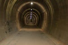 Túnel subterrâneo no ath do ciclo de Alpe Adria fotos de stock