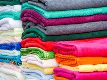 Tücher in den vielen Größen, Arten und Farben Lizenzfreies Stockfoto