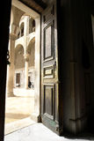 Tür in der historischen umayyad Moschee in Damaskus Stockfoto