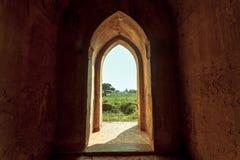 Tür der Pagode bei Bagan, Myanmar Stockbilder