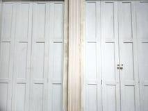 Tür des alten Hauses lizenzfreie stockbilder