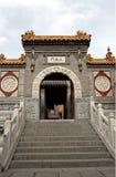 Tür des alten Tempels. Stockfotos