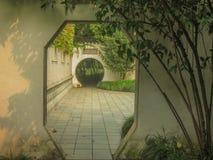 Tür des chinesischen Gartens Lizenzfreie Stockbilder