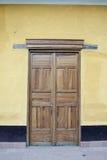 Tür des Holzes Lizenzfreie Stockbilder