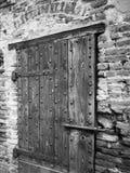 Tür-Detail des alten Turms in Goito, Mantua stockbild
