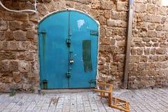 Tür - ein Loch in der Wand Stockbilder