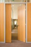 Tür in einem Flur Stockfoto