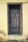 Tür in einer Wand stockbilder