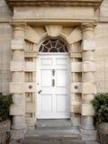 Tür eines London-Stadthauses Stockfotografie