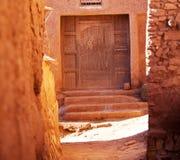 Tür im marokkanischen Dorf Lizenzfreie Stockbilder