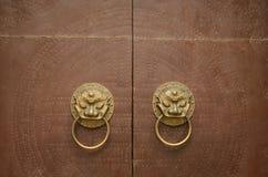 Tür-Klopfer Lion Head Stockbild