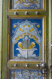 Tür mit Malereien Stockbild