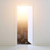 Tür offen zur Stadt bei Sonnenuntergang Stockbilder