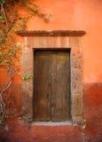 Tür in San Miguel de Allende, Mexiko Stockfotos