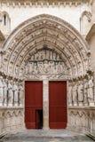Tür in St. Andrew Cathedral im Bordeaux stockbilder