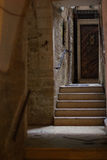 Tür u. Treppe in den Straßen von altem Jerusalem - Israel Stockbild