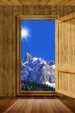 Tür und Berg lizenzfreie stockbilder