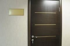Tür und die Tablette. Lizenzfreies Stockbild