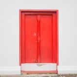 Tür und Fenster, hölzernes Hintergrundhaus Stockfotografie