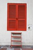 Tür und Strichleiter Stockfotografie