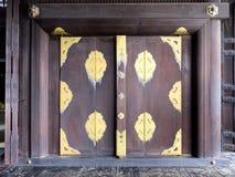 Tür von Tempel Nishi Honganji - Kyoto, Japan Stockbilder