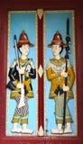 Tür in Wat Phra Kaew der königliche großartige Palast Lizenzfreie Stockfotos