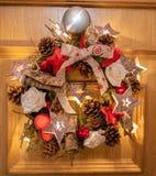 Tür-Weihnachtsdekoration stockbilder