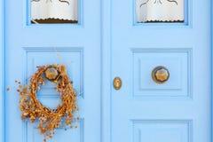 Tür zum griechischen Haus Lizenzfreie Stockfotos