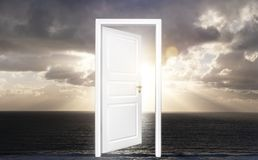 Tür zum Horizont stockfotografie