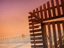Tür zum Pier Stockfoto
