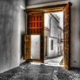 Türen in Cordova Spanien Stockbilder