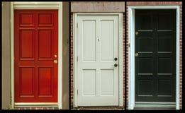 Türen eingestellt von drei Stockbild