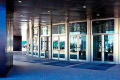 Türen im Büro Stockfoto